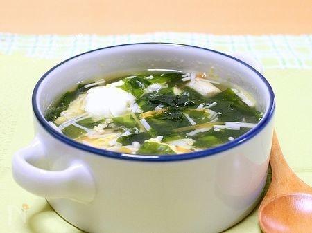 えのきとわかめのかき玉スープ