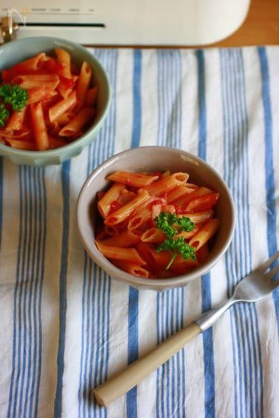別茹でなし!1つの鍋でトマトソースパスタ