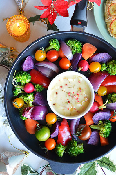 チーズバーニャフォンデュと、カラフル温&焼き野菜リース