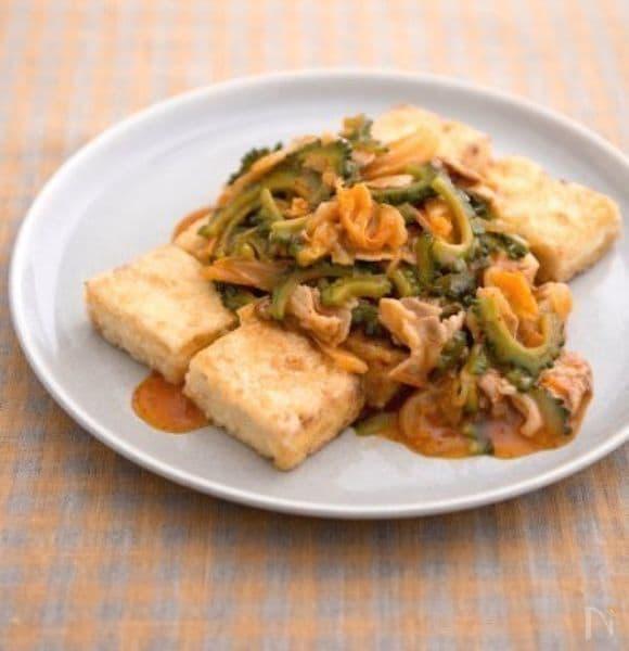 豚キムチとゴーヤのあんかけ豆腐ステーキ