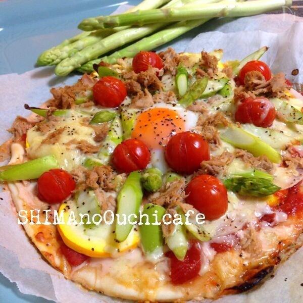 夏野菜たっぷり アスパラとズッキーニのピッツァ