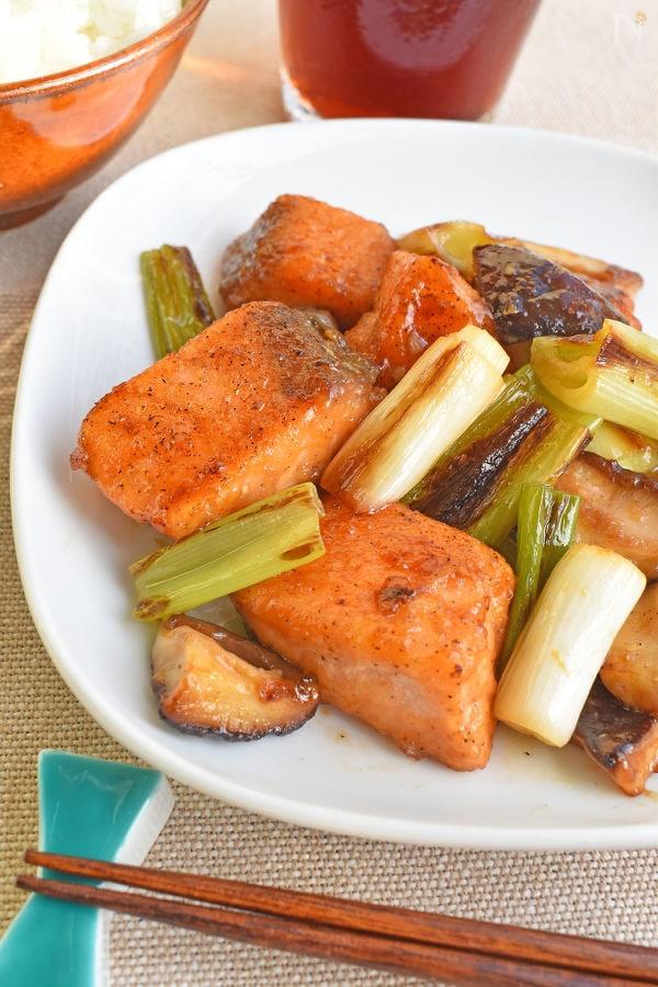 鮭とねぎのバターポン酢炒め