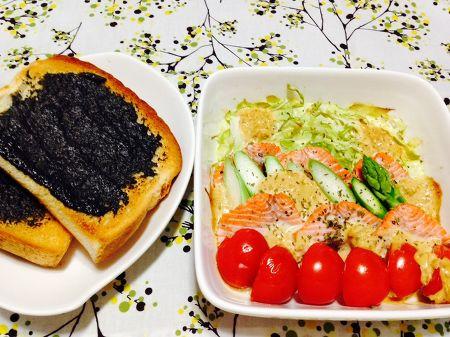 鮭とキャベツのグリル&ハニー黒ごまトースト