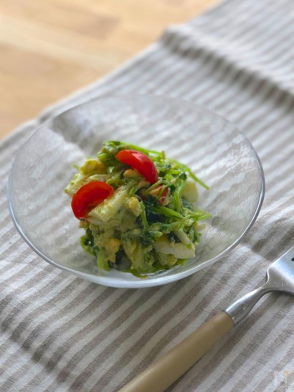 豆苗とアボガドのたまごサラダ