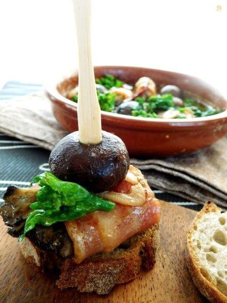 牡蠣のベーコン巻きアヒージョ