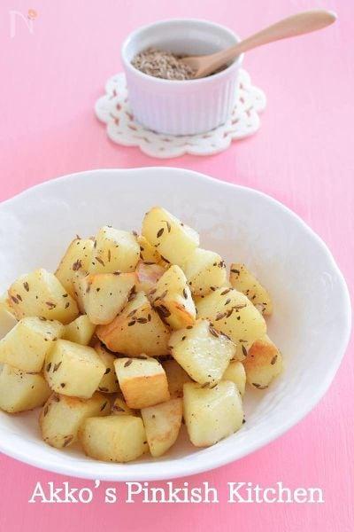 じゃがいものサブジ クミン使用でカレー風味のインドの家庭料理