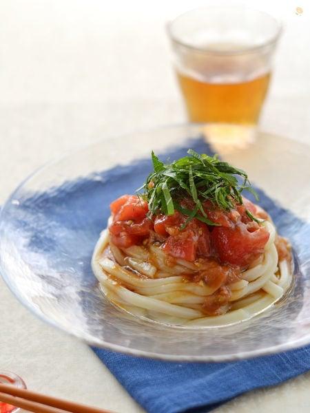 梅肉トマトだれの冷やしうどん