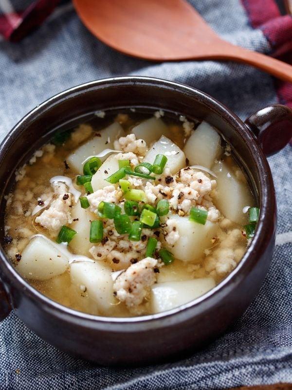 長いもと鶏ひき肉のうま塩とろみスープ【#水溶き片栗粉不要】