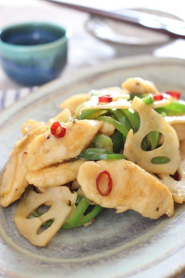 鶏ささみ肉とレンコン、ピーマンの中華炒め