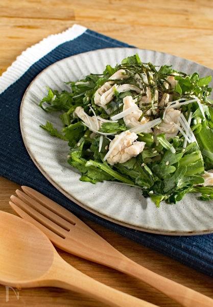 春菊と鶏ささみの和風サラダ