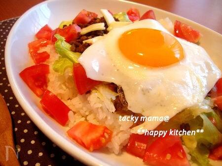 タコライス風♪甘辛そぼろのサラダのっけご飯