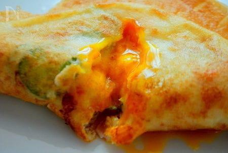 半熟とろとろ卵がたまらない!チュニジアの餃子『ブリック』