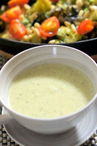 ブロッコリーの芯と葉の和風ポタージュスープ
