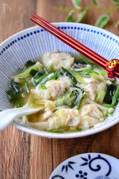 ワンタンと春雨の食べる生姜スープ