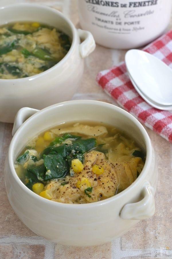 ほうれん草とコーンのかきたまとろみスープ