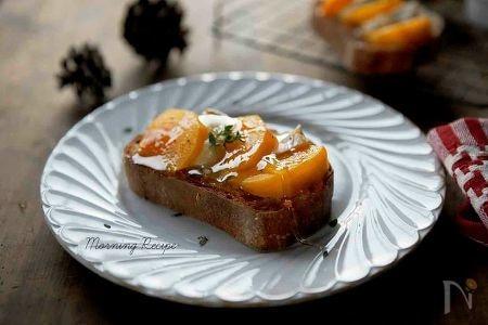 柿の焼き菓子(柿とカマンベールチーズのトースト)