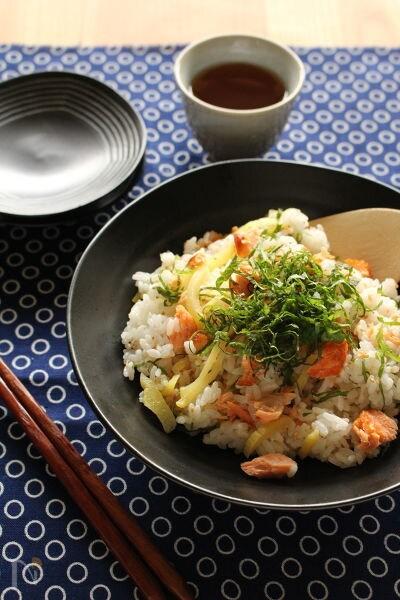 鮭とたくわんのちらし寿司