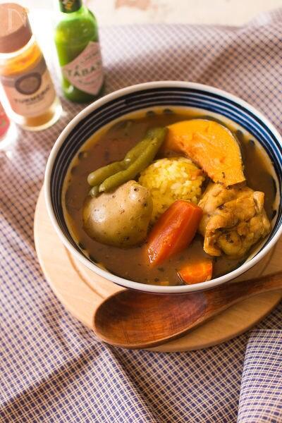 鶏手羽先のスープカレー