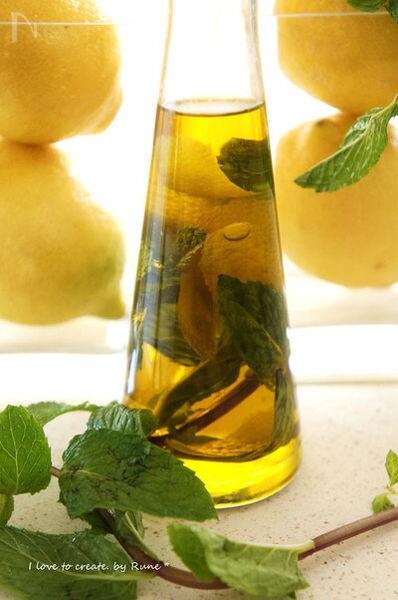 4. レモンミントのオリーブオイル