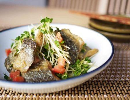 秋刀魚とかいわれの和サラダ