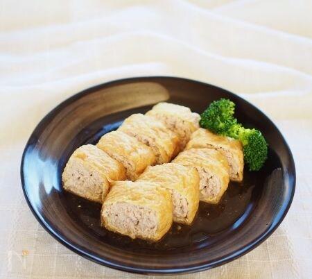 挽肉豆腐の油揚げ巻き煮