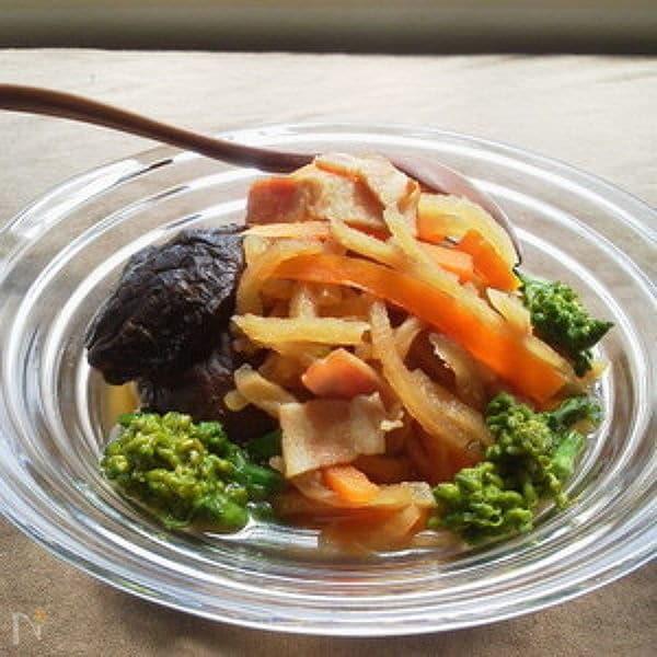 菜の花in干し大根とベーコンのめんつゆ煮