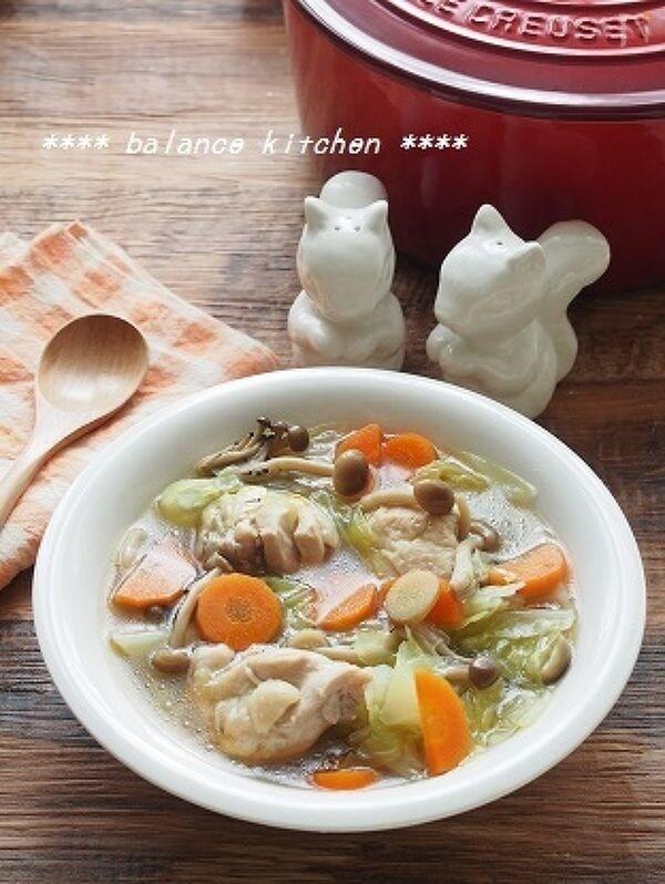 ほったらかし!鶏肉とたっぷりキャベツのしょうが風味スープ