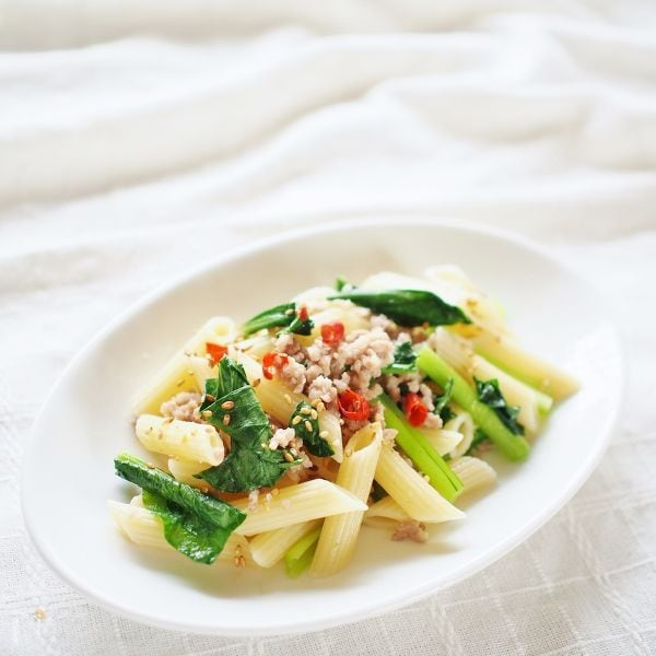 小松菜と挽肉のラグー風パスタ