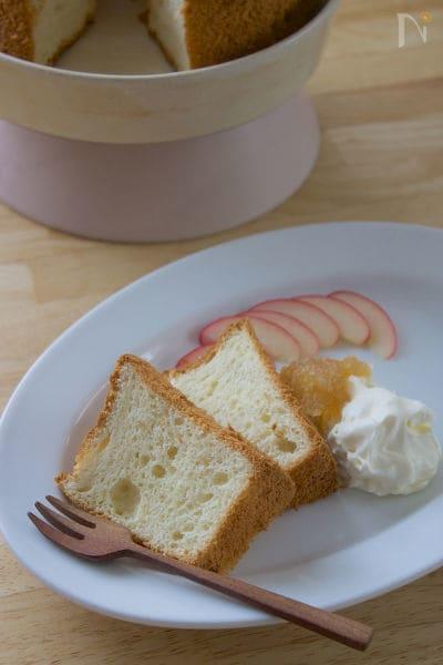 卵黄を余らせない!卵3つのりんごのシフォンケーキ