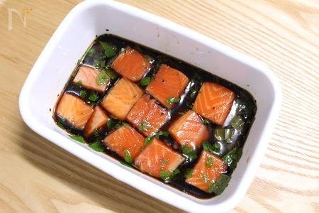 作り置き用 麺つゆ漬けサーモン