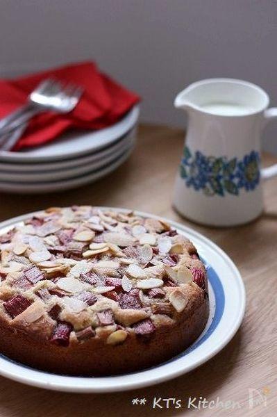 3. ルバーブのアーモンドケーキ