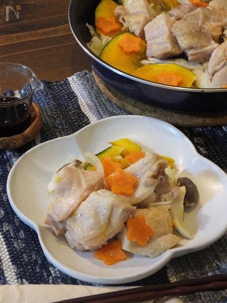燻製バターで鶏と野菜のレンジ蒸し。