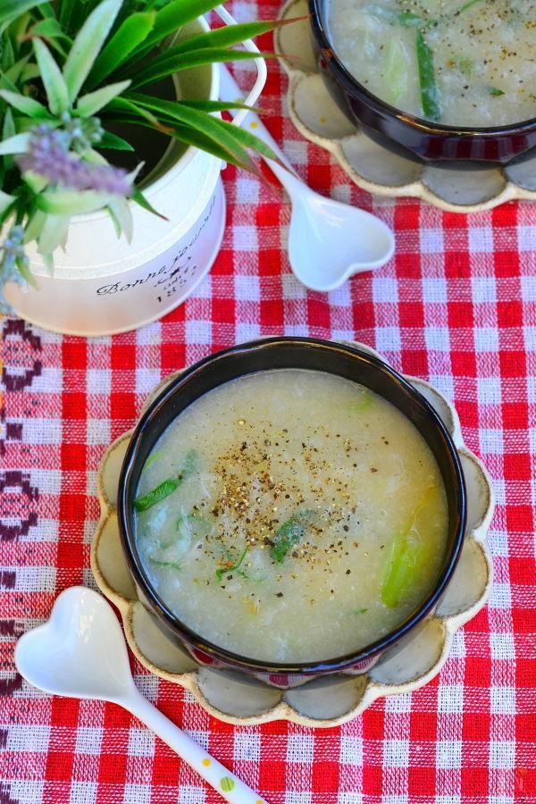 すりおろしれんこんのとろとろスープ