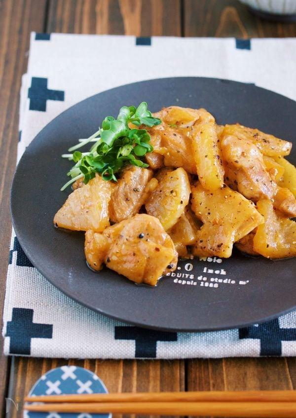 短時間で味しみ抜群♪ご飯がすすむ♪『ガリバタ鶏大根』
