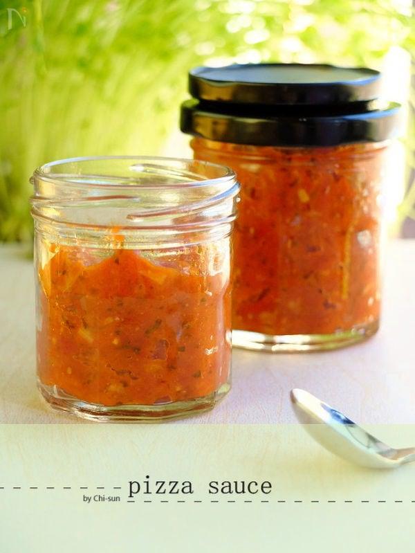 瓶にはいった味噌トマトソース