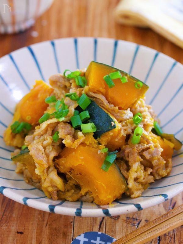 放置&煮汁不要で旨み凝縮♪『甘辛♡豚肉とかぼちゃの重ね蒸し』
