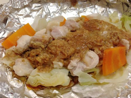山椒の香りと辛みが食欲をそそる!鶏と野菜のホイル焼き