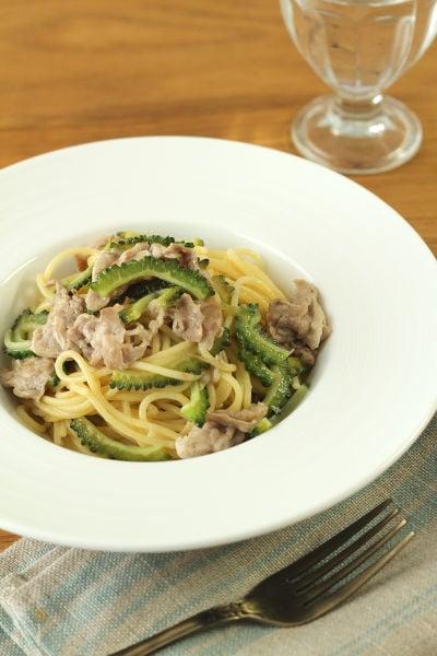 ゴーヤと豚肉の梅風味パスタ
