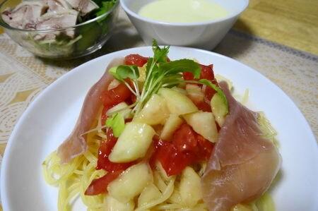 完熟桃とトマトの冷製パスタ