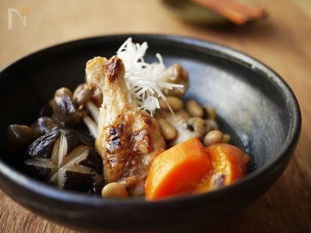 【ココナッツオイル】手羽元ときのこの豆煮 ココナッツ風味