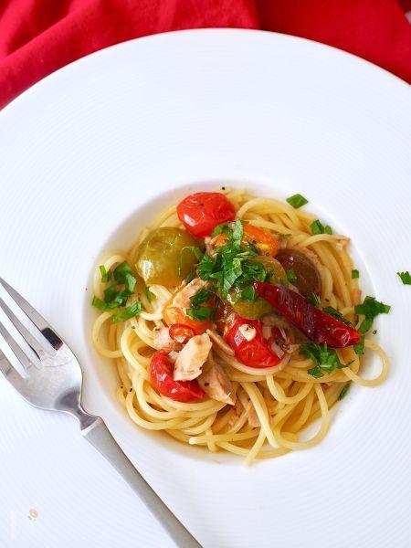 ツナとミニトマトのペペロンチーノ