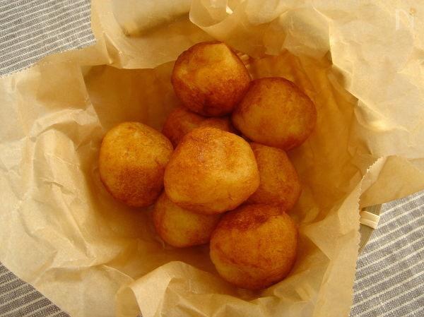 10. ポテトチーズボール