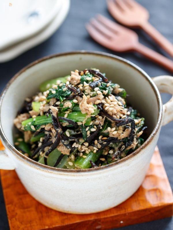 小松菜とひじきのごまツナ炒め【#レンジ#包丁不要#やみつき】