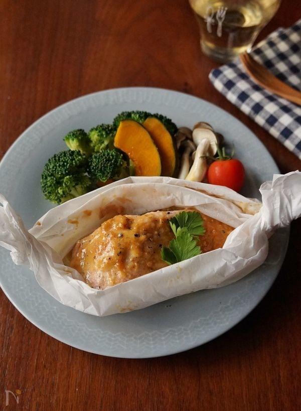電子レンジで!秋鮭の味噌マヨ包み焼き